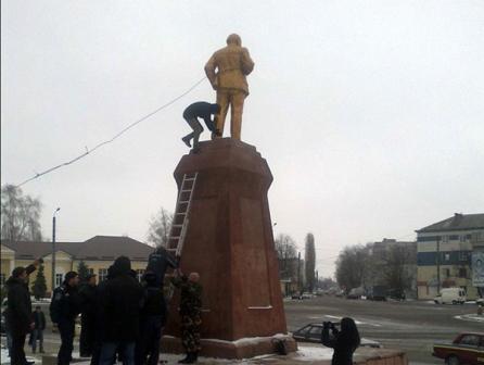 http://stalingrad-info.ru/wp-content/uploads/Pamyatnik-Leninu3.jpg