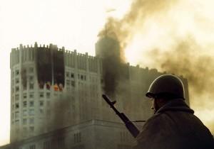 Солдат на фоне Белого дома